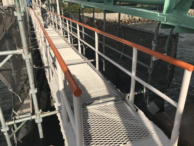 太陽エコブロックス橋脚塗替え工事